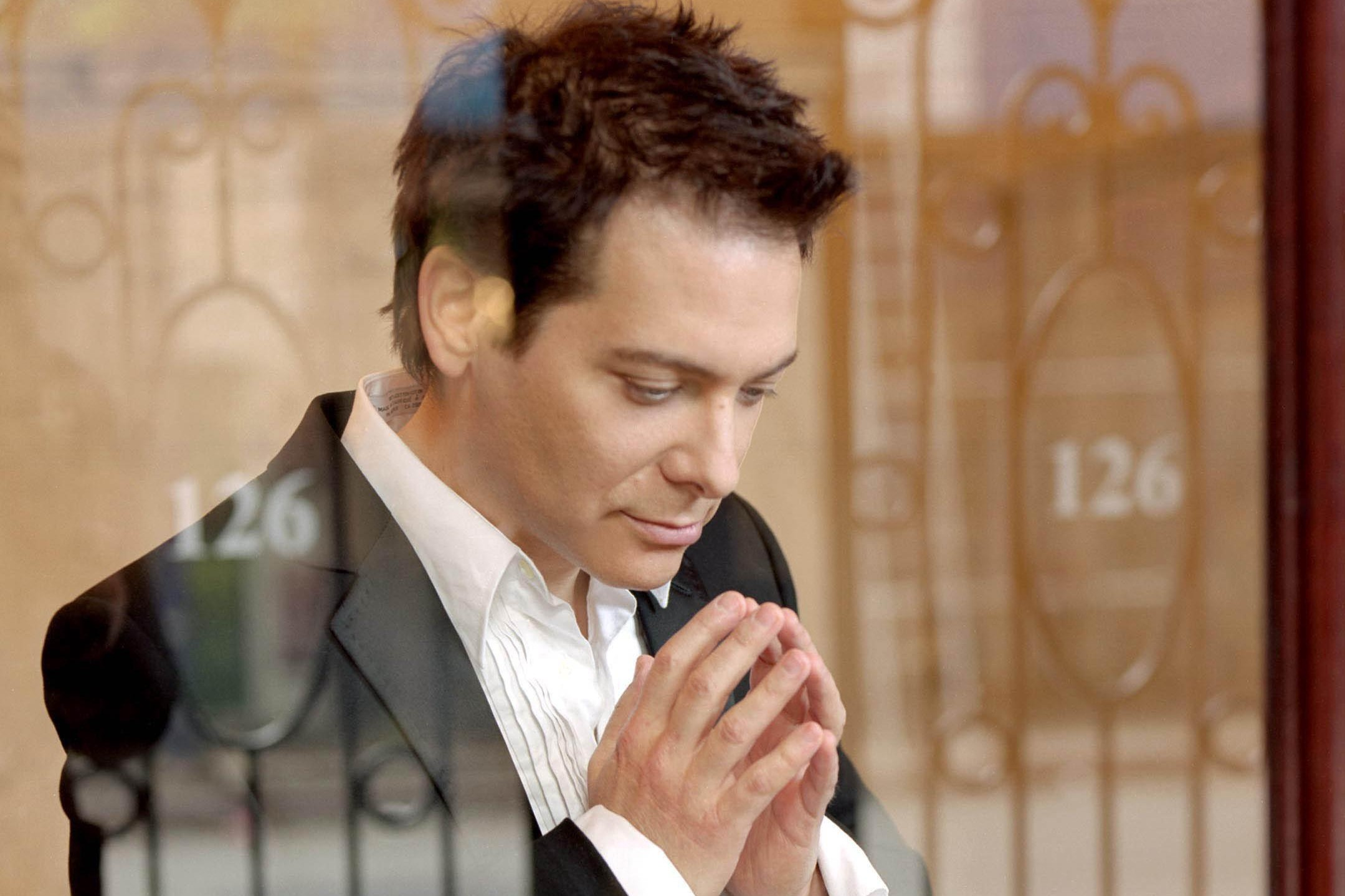 Amazing performance by Michael Feinstein singing a medley of